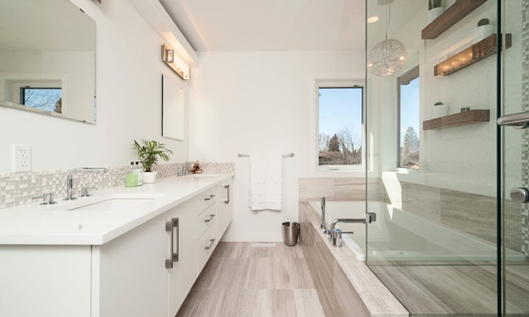 an-edmonton-bathroom-that-has-been-recently-renovated